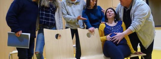 La troupe «Théâtre d'Ici & d'Ailleurs»  –  Plérin  –  «Tout baigne»